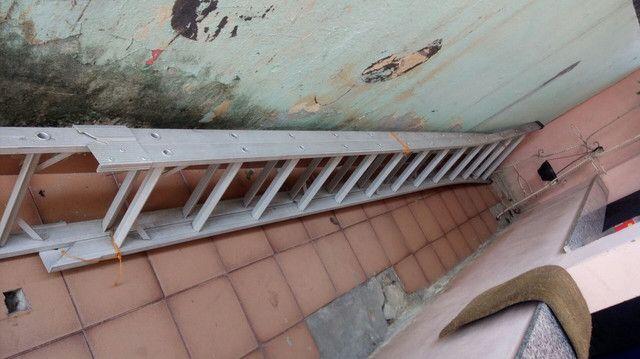 Escada usada poucas vezes  - Foto 3