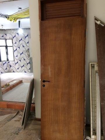 Porta de madeira - ótimo estado