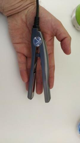 Prancha Chapinha Mini Lizze Nano Titanium nova - Foto 2