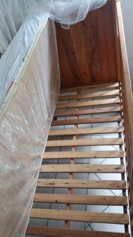 Berço estilo rústico em madeira nobre. Praticamente novo! - Foto 4