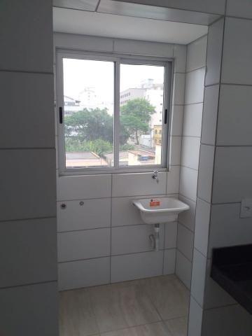 Apartamento com 02 quartos com armários e 04 vagas cobertas - Foto 3