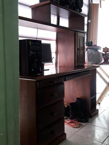Vendo estante e mesa de computador são 2 e um - Foto 3