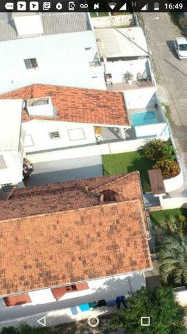 Vendo ótima casa na praia do santinho na ilha de Florianópolis - Foto 2