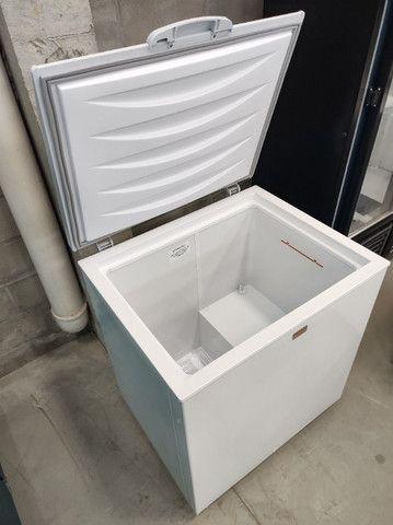 GHDE220 Freezer Horizontal Tampa Sólida Dupla ação Degelo Manual 220 Litros - Gelopar - Foto 2