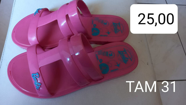 Sandalinha Barbie 31 Bem conservada baratinha pra sair logo - Foto 2