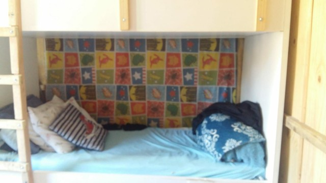 Vende se  cama treliche  sob medida bem conservada