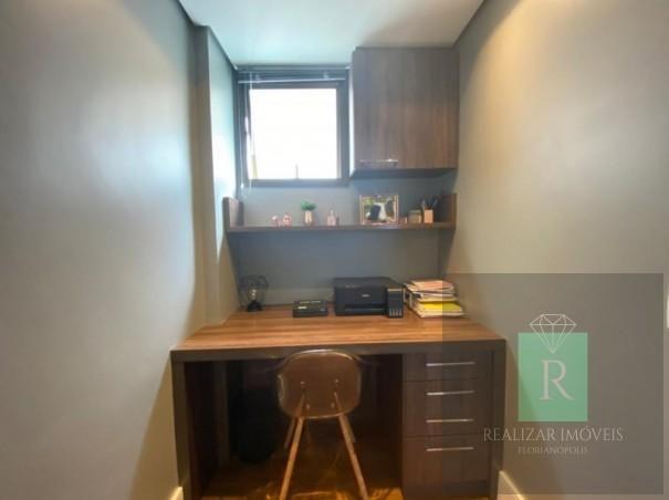 Ótimo apartamento com 03 dormitórios no bairro Balneário - Foto 16