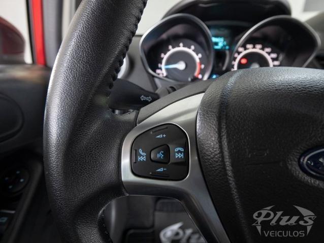 Ford Fiesta TITANIUM 1.6 AUT 4P - Foto 17