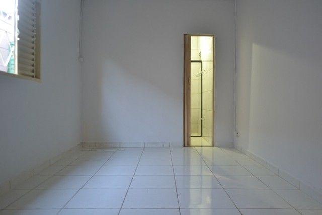 Casa confortável, 2 quartos, 1 suíte, outra residência no lote. Vl. Nova Canaã, Goiânia-GO - Foto 13