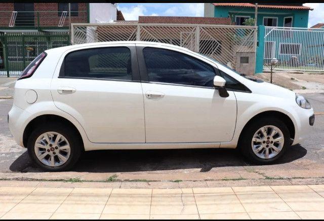Fiat Punto Atractive 1.4 Flex 2013 - Foto 9