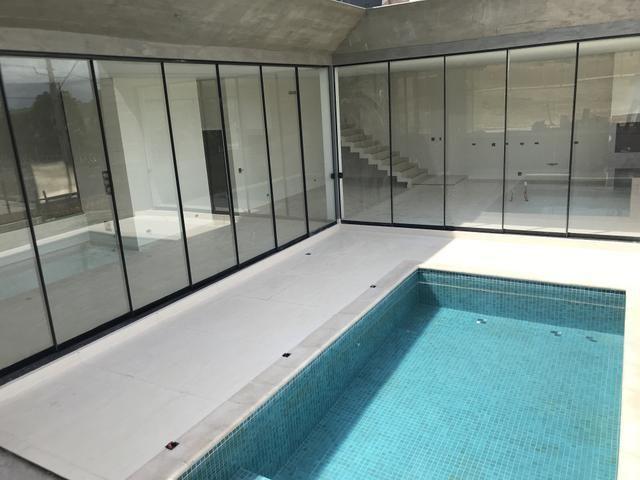 Casa royal forest alto padr o 3 su tes c piscina 341m for Piscina 4 esquinas