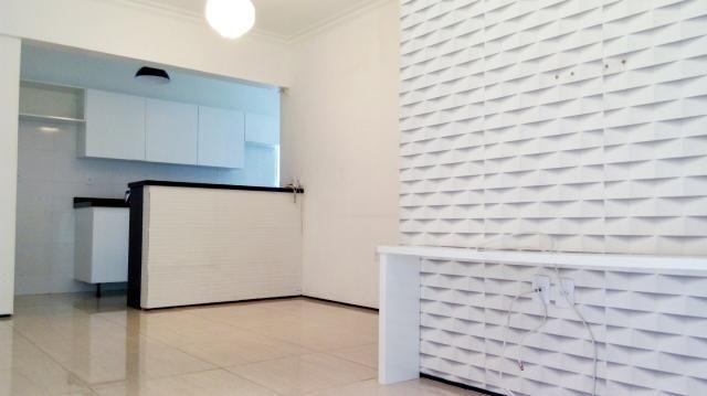 Apartamento reformado e projetado na Aldeota, 70m, 3 quartos, R$ 309.000