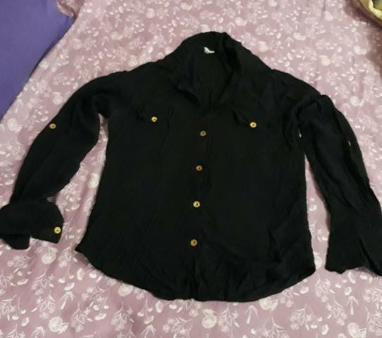 Camisa de malha preta M