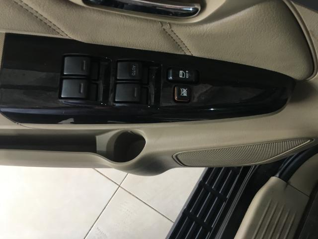 Toyota sw4 srv 3.0 4x4 7 lugares - Foto 16