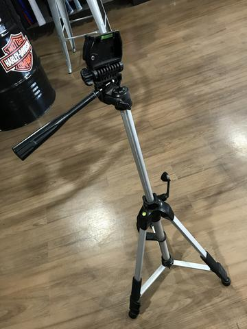 Tripé câmera