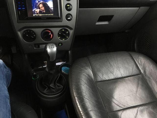 Ford fiesta sedan 1.6 - Foto 2