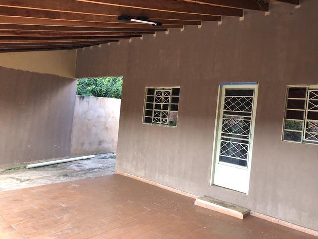 Alugo Casa no Aerorancho (próximo ao Terminal Aerorancho e Hospital Rosa Pedrossian) - Foto 2