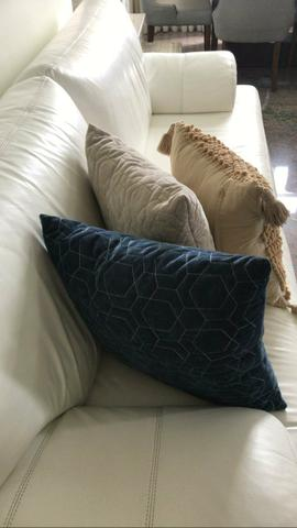 Sofá de couro legitimo branco - Líder Interiores - Foto 4