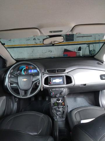 Onix 2016 completo carro impecável ! - Foto 9