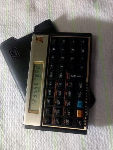 HP 12C Gold máquina comercial e financeira; e DVD D10 da Mondial