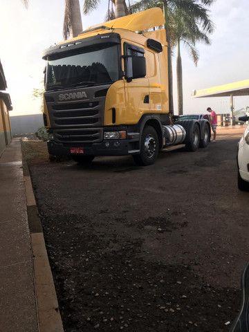 Caminhão Scania 470 com motor 440 6x4 - Foto 6