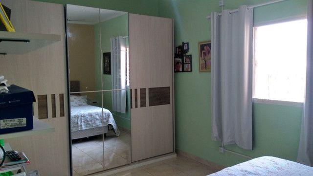 Duas Casas 4 dormitórios frente 2 Ruas estac 8 carros Junto Planalto - Foto 13