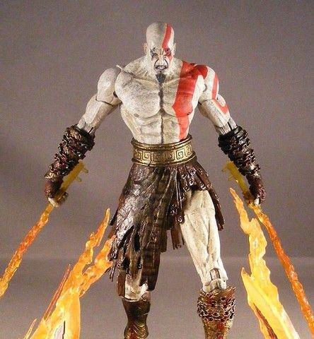 Kratos God Of War 18 cm - Com As Lâminas do Caos - Foto 2
