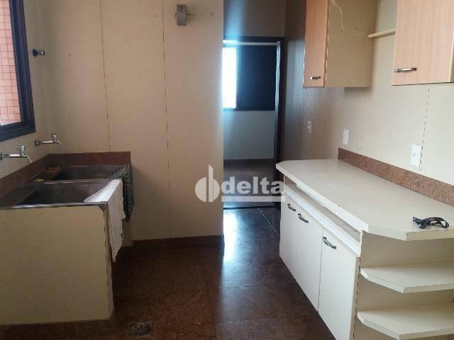 Apartamento com 3 dormitórios para alugar, 200 m² por R$ 2.500,00 - Centro - Uberlândia/MG - Foto 7