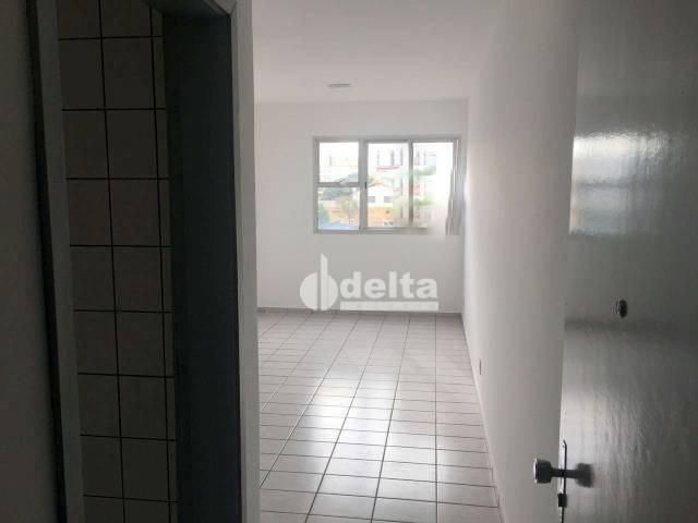Apartamento com 3 dormitórios à venda, 69 m² por R$ 169.000,00 - Lagoinha - Uberlândia/MG