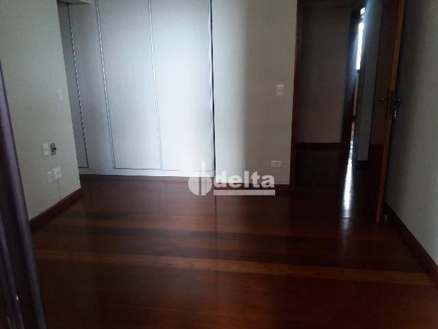 Apartamento com 3 dormitórios para alugar, 200 m² por R$ 2.500,00 - Centro - Uberlândia/MG - Foto 16