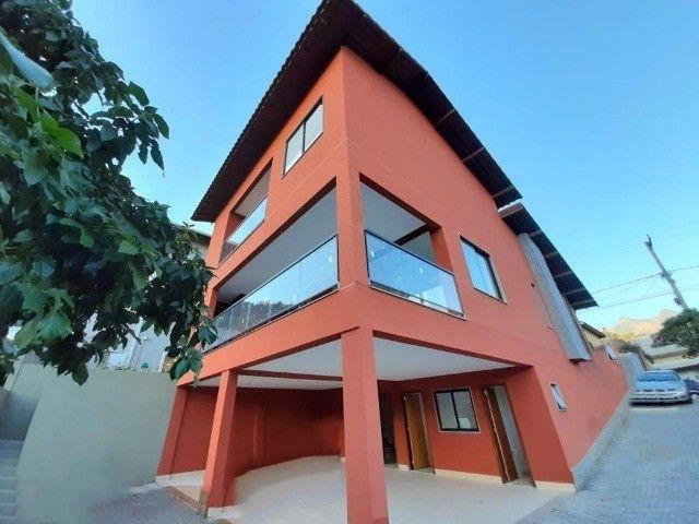 Casa com 3 dormitórios, 190 m², R$ 1.360.000 - Vargem Grande - Teresópolis/RJ.