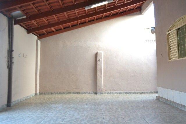 Casa confortável, 2 quartos, 1 suíte, outra residência no lote. Vl. Nova Canaã, Goiânia-GO - Foto 4