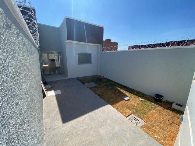 Casa para venda possui 58 metros quadrados com 2 quartos em Residencial Buena Vista I - Go - Foto 2
