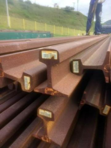 Trilhos TR-49 ( 47 barras com 12 metros)