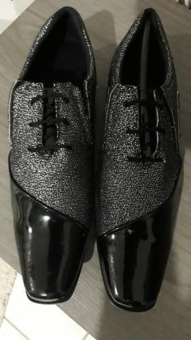 Vendo Sapato novo n° 41/42 ,sem uso 100,00