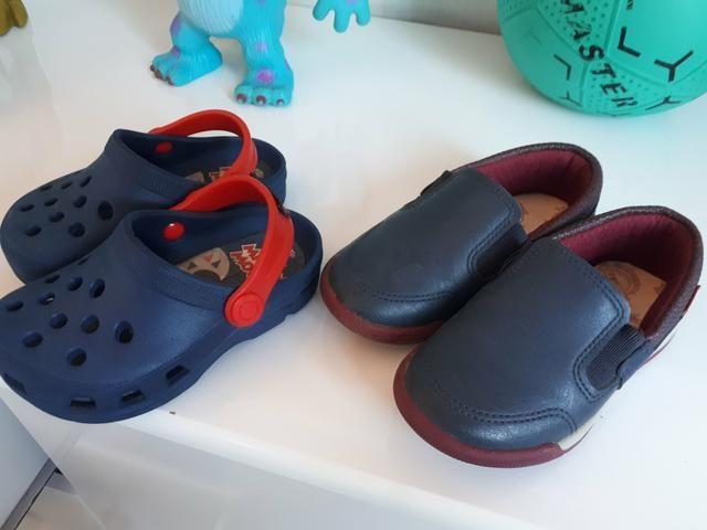 Sandália e sapato número 22 e 23