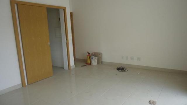 Excelente apartamento de 3 quartos com 3 vagas de garagem na melhor localização da região - Foto 6