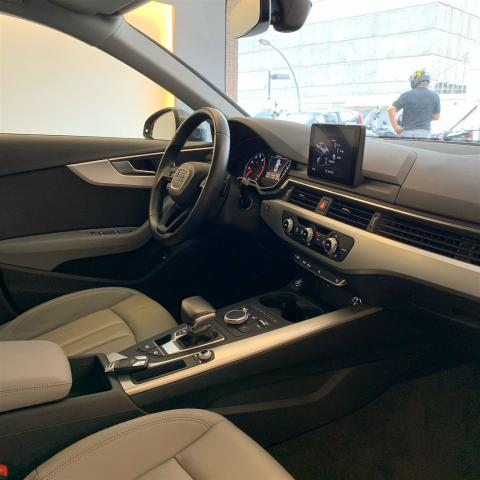 AUDI A4 2018/2018 2.0 TFSI ATTRACTION GASOLINA 4P S TRONIC - Foto 14