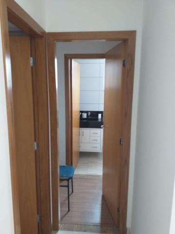 Apartamento com 02 quartos com armários e 04 vagas cobertas