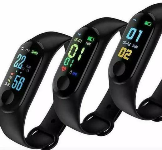 Pulseira Inteligent Monitor Cardíaco Relógio pressão etc - Foto 2