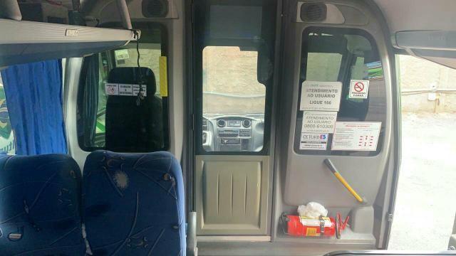 Micro ônibus top- pego 10 mil na mão para vender logo - Foto 3