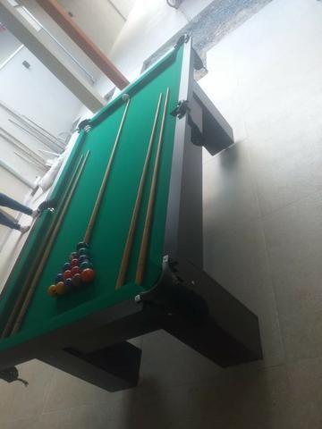 Mesa Charme e Bancos L. Cor Preta Tecido Verde Mod. ATMH7046 - Foto 3