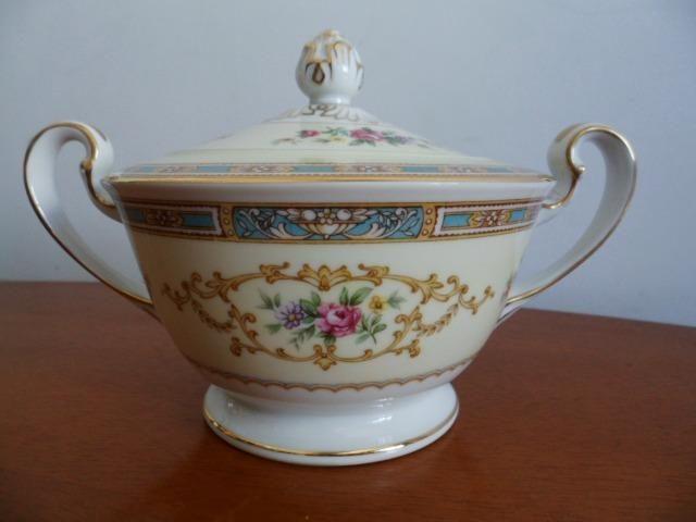 Açucareiro (Sugar Bowl & Lid) em Porcelana Chinesa Noritake 5032 Colby Blue