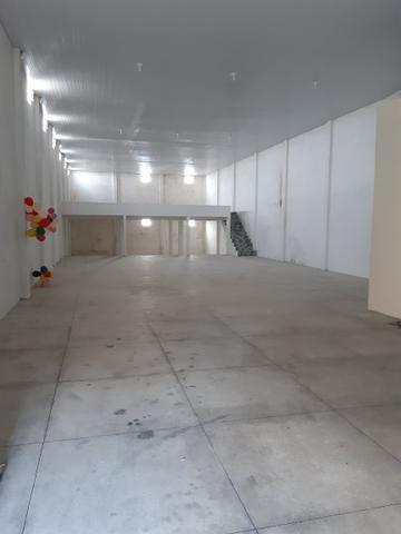 Vende-se prédio comercial novo 10x32x7 - Foto 2