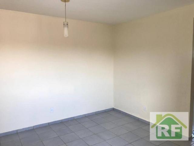 Apartamento com 2 dormitórios para alugar, 65 m² por R$ 650,00 - São Pedro - Teresina/PI