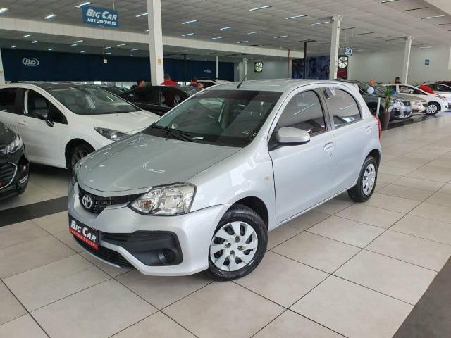 Toyota Etios XS 1.5 Flex 16V 5p Aut. Prata - Foto 2