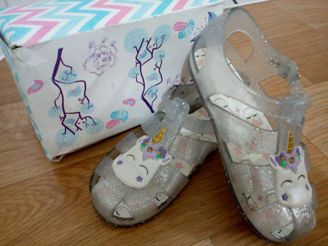 Sandália infantil tamanho 25 - Foto 4