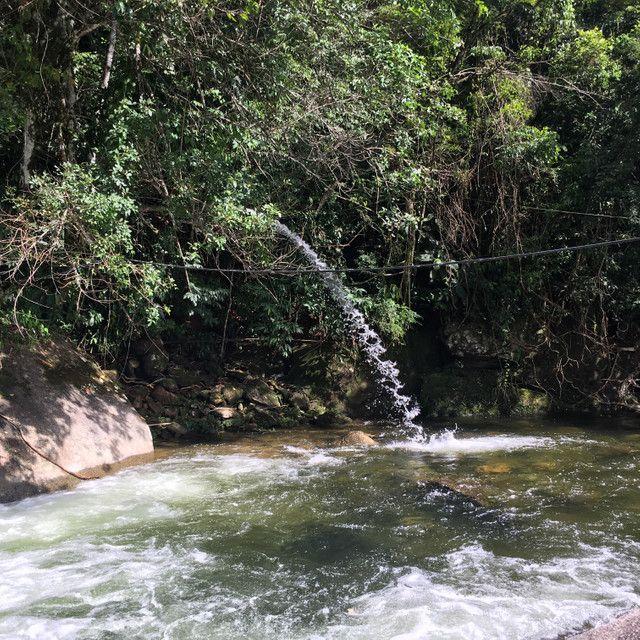 Casa da Cachoeira no pé da Serra de Friburgo - Foto 12