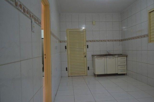 Casa confortável, 2 quartos, 1 suíte, outra residência no lote. Vl. Nova Canaã, Goiânia-GO - Foto 11