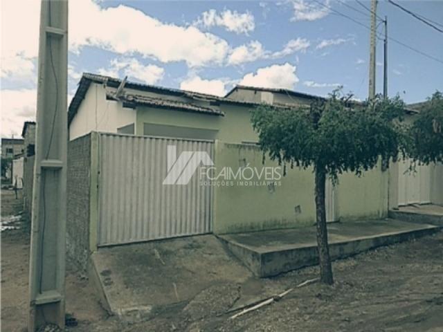 Casa à venda com 2 dormitórios cod:b8c033636d5